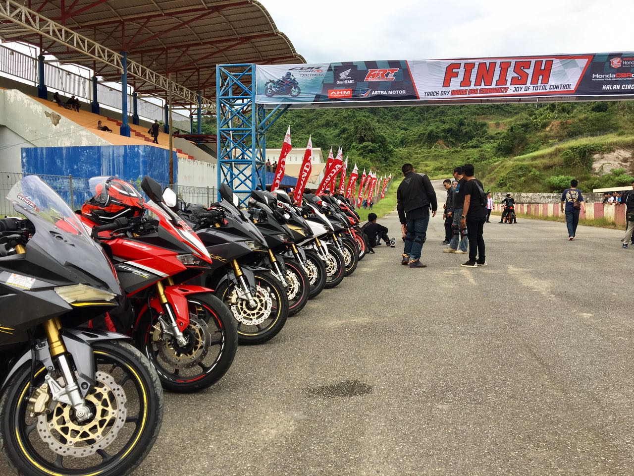 Track Day Honda CBR Community