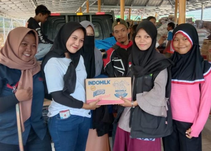 Lady Bikers Ini Kenalkan Komunitas Motor Hingga Ke Kampung Halaman Dengan Aksinya Mengalang  Dana