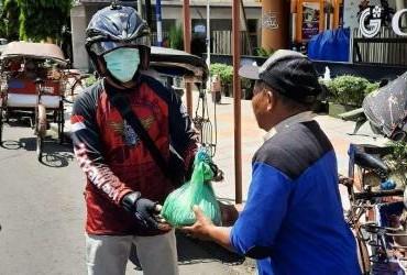 Komunitas Honda ADV150 Indonesia Chapter Magelang Menggelar Kegiatan Berbagi untuk Sesama