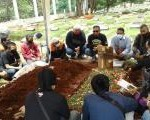 Bersama PIC Honda Community Wahana, AHJ & HRC Jakarta Hadiri Prosesi Pemakaman Alm.Bro Agung.
