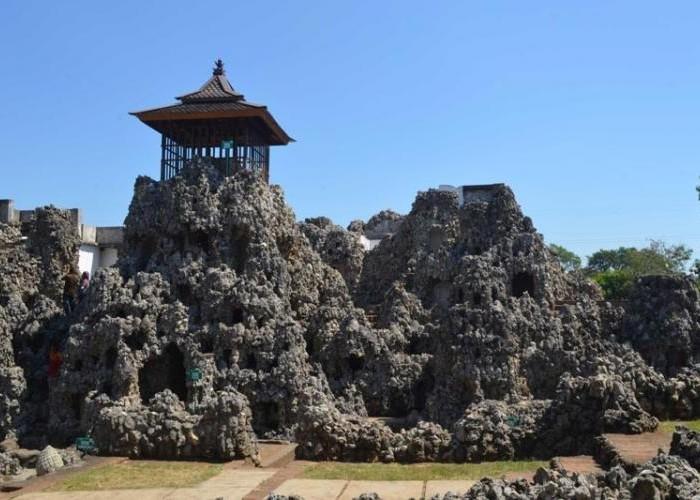Wisata Taman Sari Goa Sunyaragi, Bagi Yang Suka Nuansa Klasik